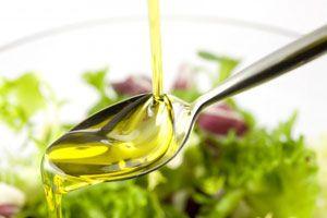 Лляна олія обов`язково повинне бути присутнім в харчовому раціоні кожної людини!